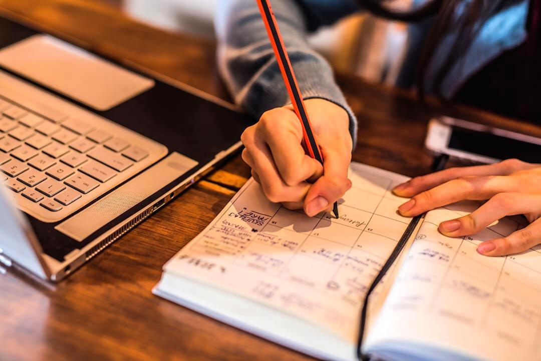 El calendario académico del curso 2020-2021, marcado por la docencia mixta
