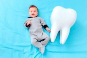 ¿Por qué es tan importante llevar a tu bebé al odontopediatra?